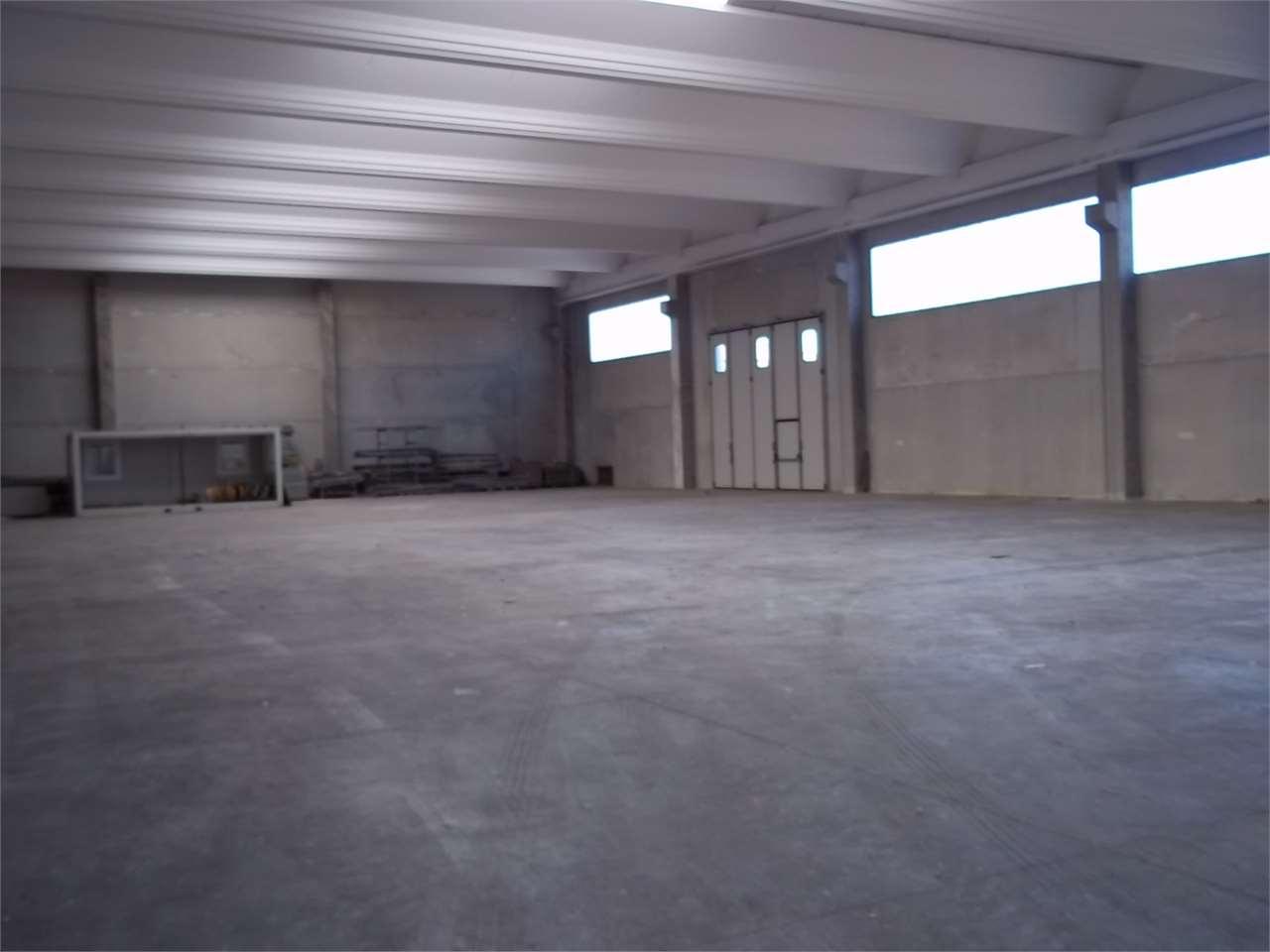 Vendita capannone/magazzino Novara