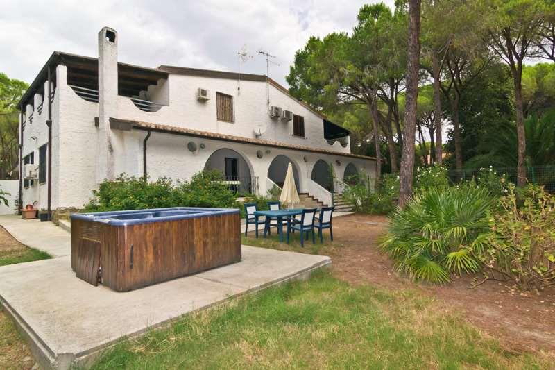 Villa in vendita a Pula, 9999 locali, prezzo € 355.000 | Cambio Casa.it
