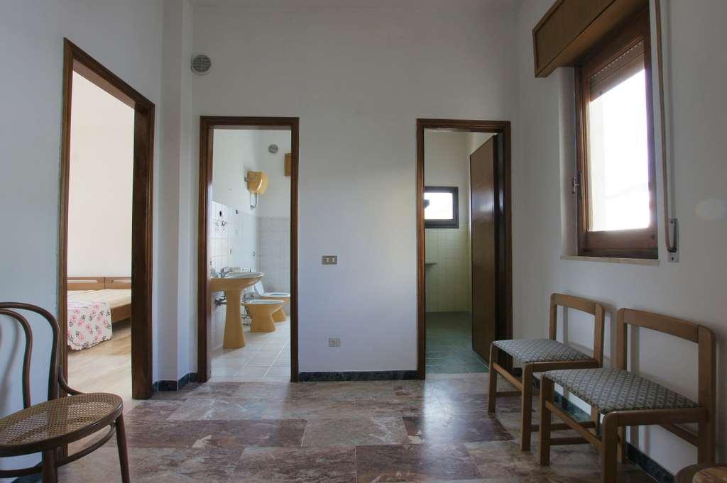Appartamento in vendita a Teulada, 4 locali, prezzo € 60.000 | Cambio Casa.it