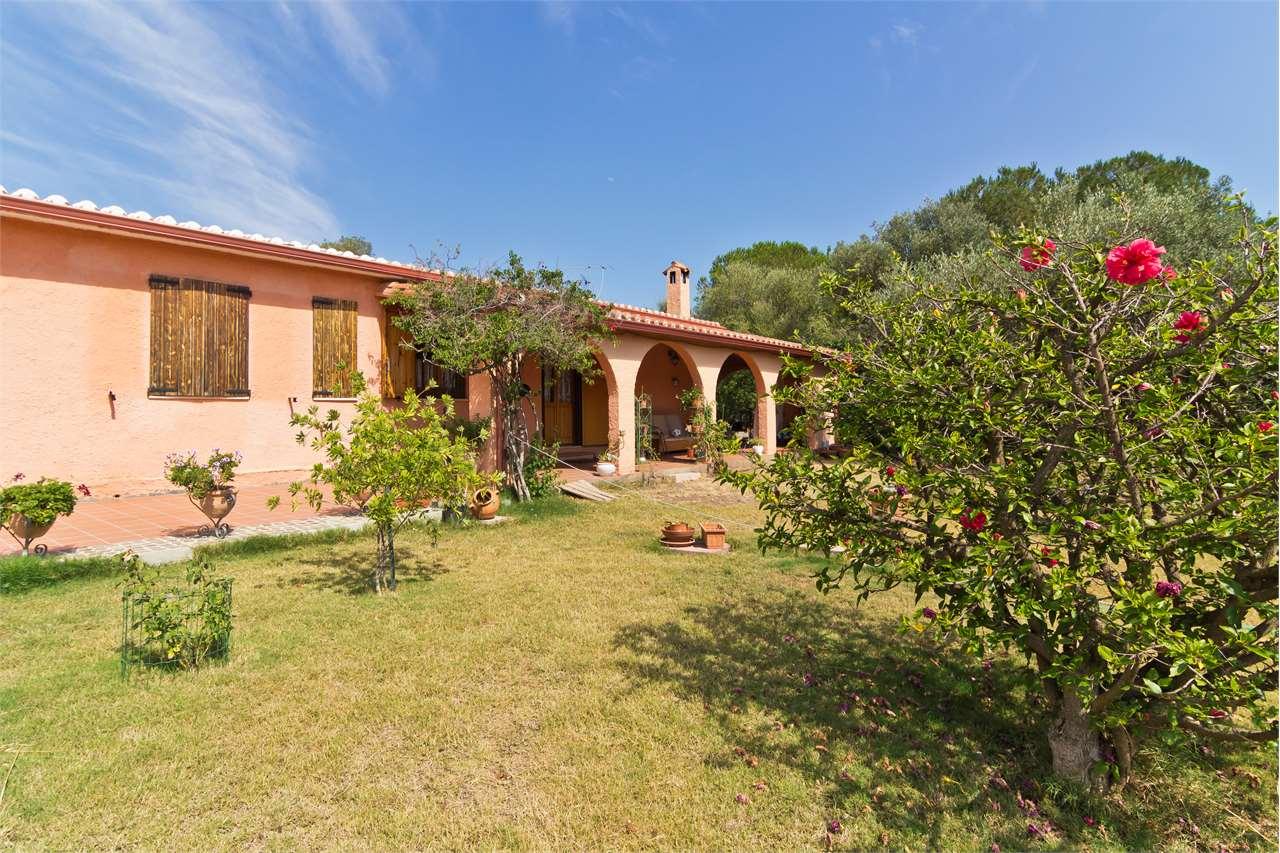 Villa in vendita a Sarroch, 5 locali, prezzo € 340.000 | Cambio Casa.it