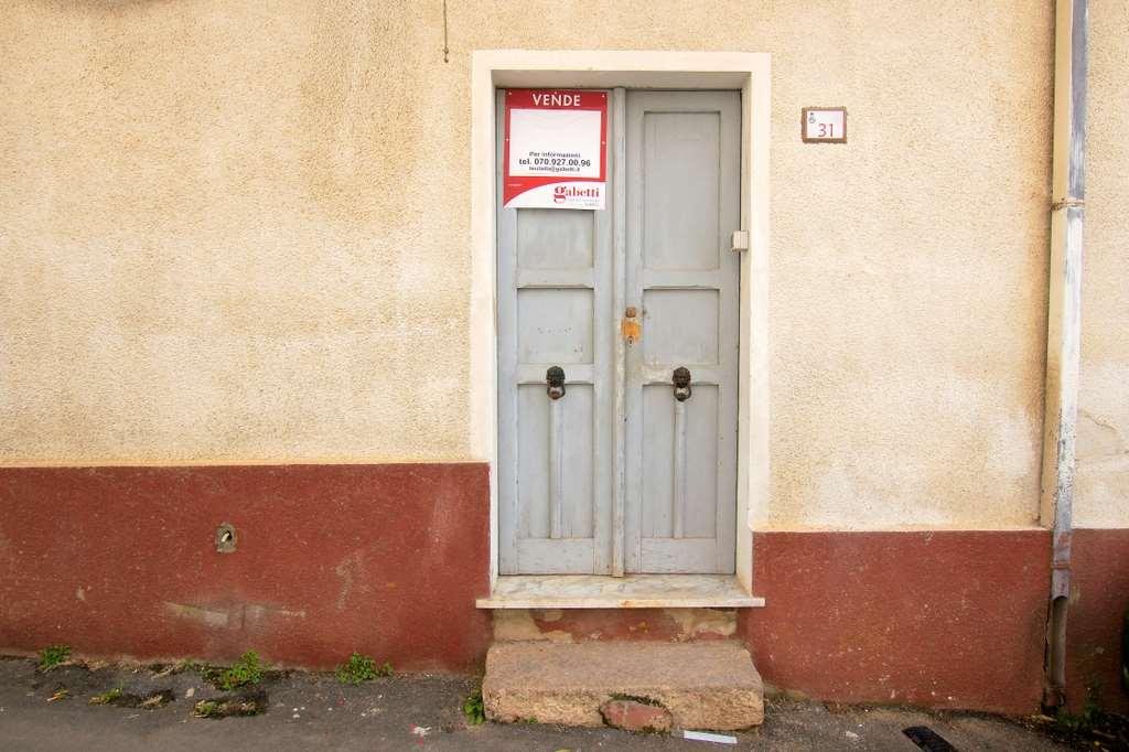 Appartamento in vendita a Teulada, 6 locali, prezzo € 92.000 | Cambio Casa.it