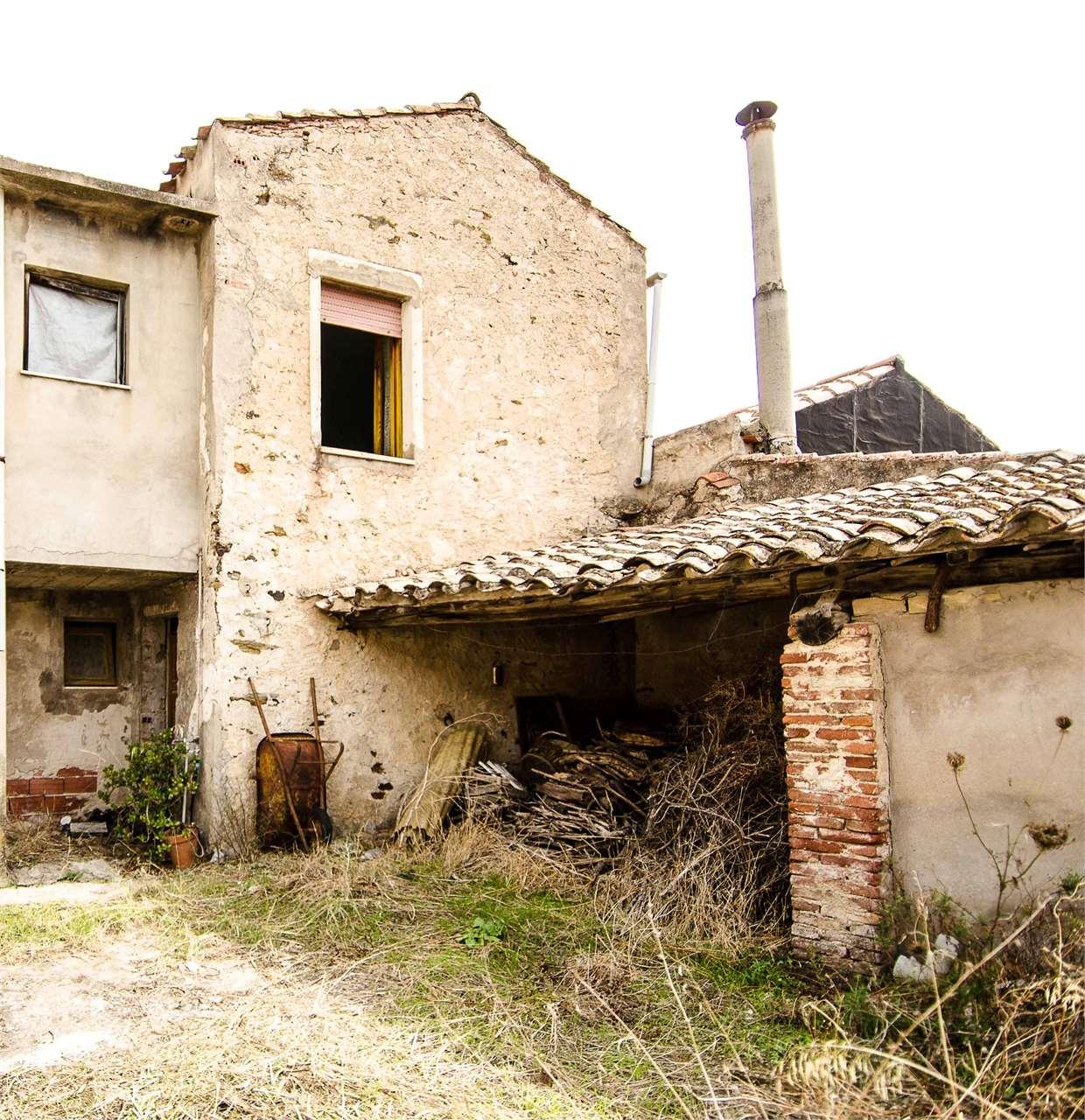 Soluzione Indipendente in vendita a Teulada, 6 locali, prezzo € 160.000 | Cambio Casa.it