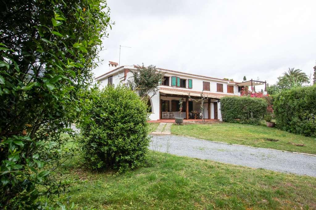 Villa in vendita a Pula, 9999 locali, prezzo € 560.000 | Cambio Casa.it
