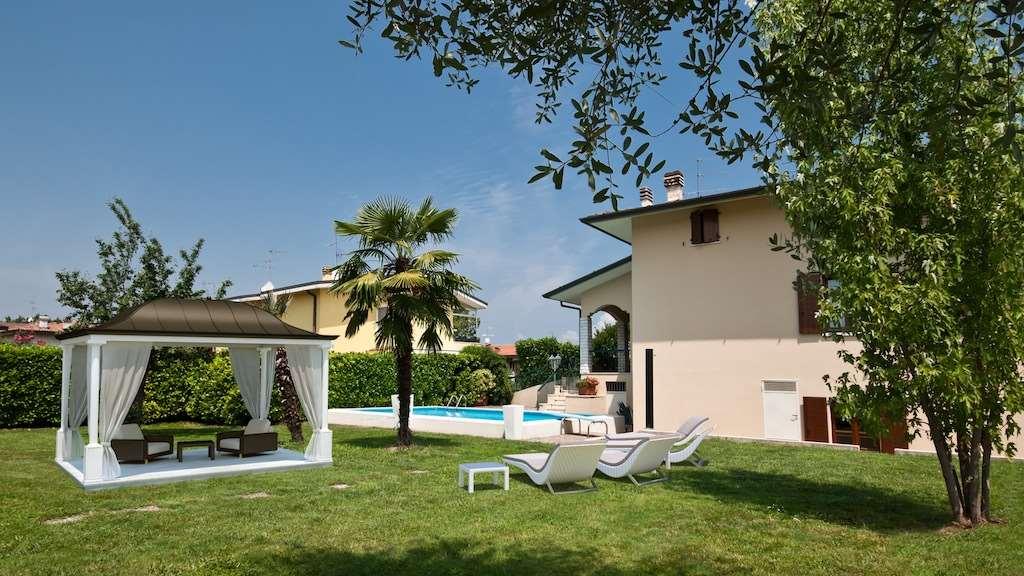 Villa in vendita a Sirmione, 18 locali, Trattative riservate | Cambio Casa.it