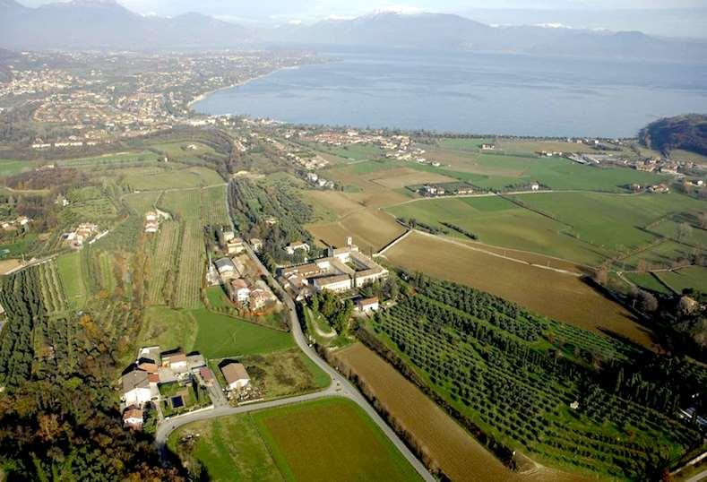 Rustico / Casale in vendita a Lonato, 9999 locali, zona Zona: Maguzzano, Trattative riservate | Cambio Casa.it