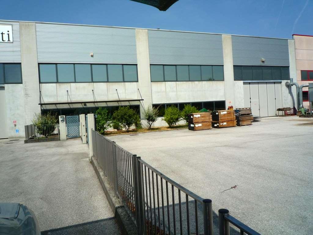 Capannone in vendita a Conegliano, 9999 locali, zona Località: Menarè, prezzo € 800.000 | CambioCasa.it