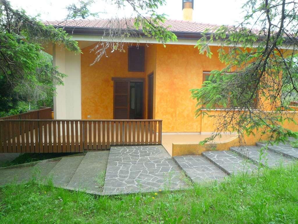 Villa in vendita a Colle Umberto, 8 locali, zona Località: Menarè, prezzo € 550.000 | Cambio Casa.it