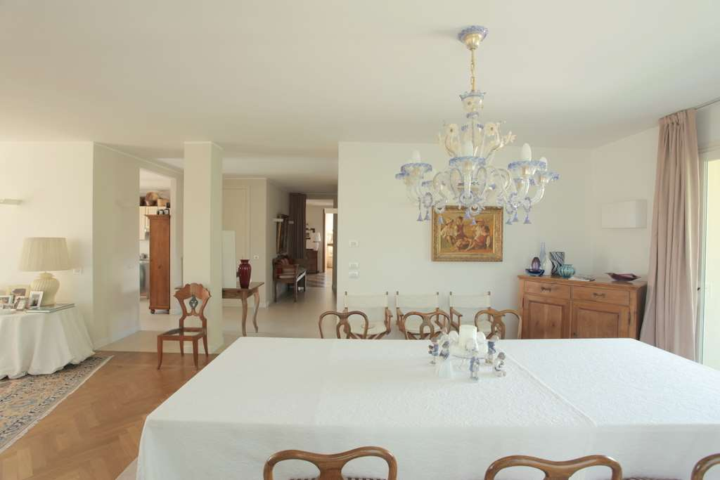 Villa in vendita a San Vendemiano, 15 locali, zona Località: Monticella, prezzo € 890.000 | Cambio Casa.it