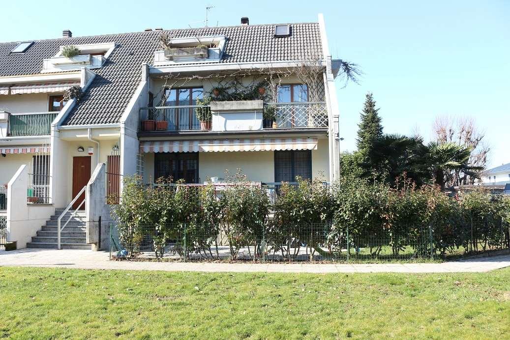 Appartamento in vendita a Madone, 3 locali, prezzo € 149.000 | CambioCasa.it