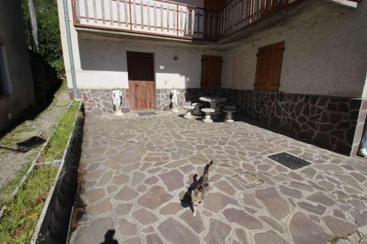 Appartamento in Vendita a Sant'Omobono Terme
