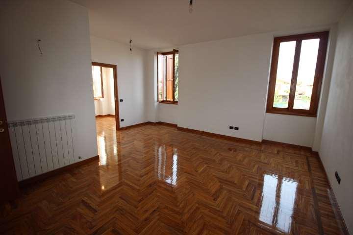Appartamento in vendita a Presezzo, 3 locali, prezzo € 145.000 | CambioCasa.it