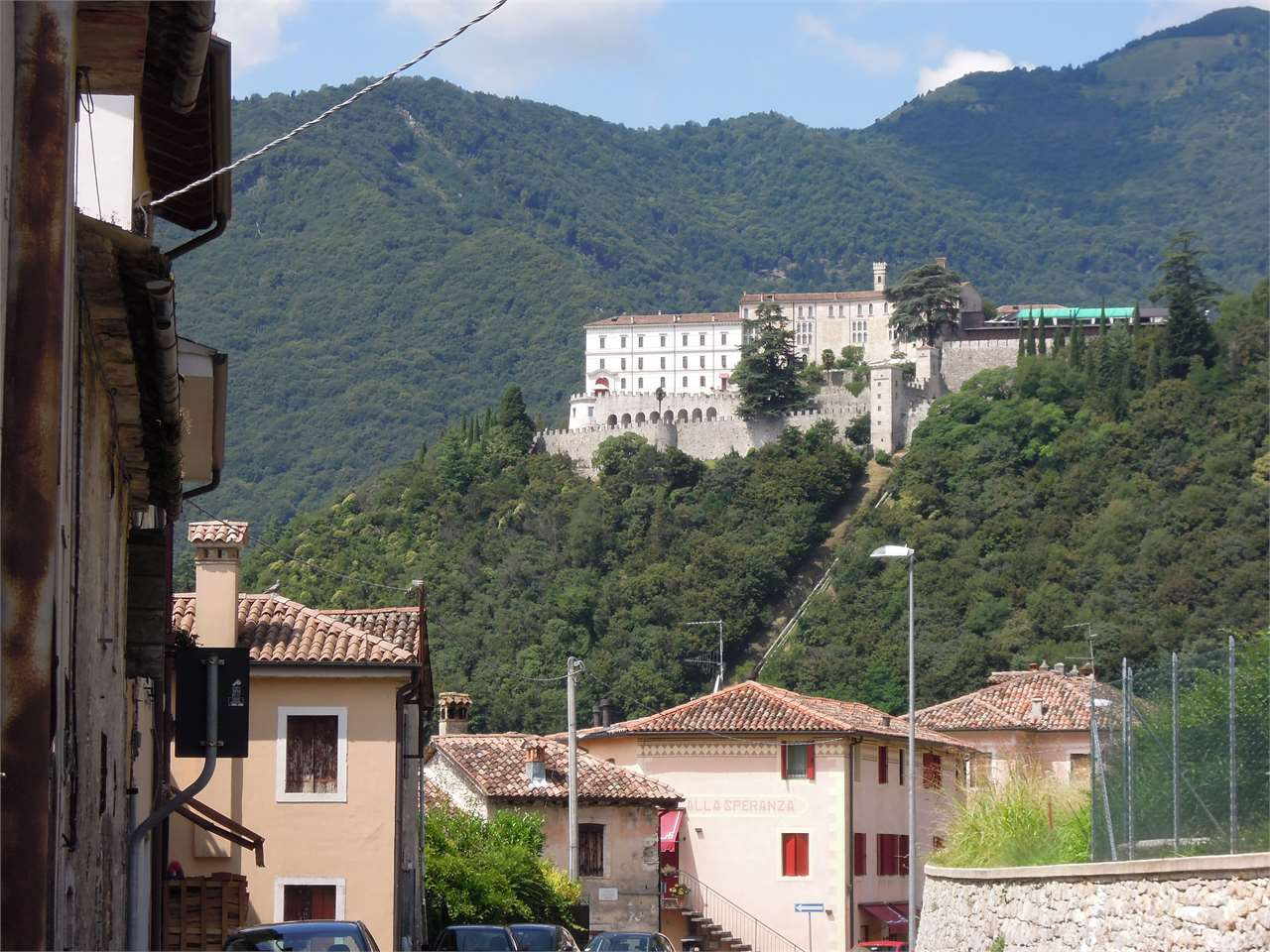 Rustico / Casale in vendita a Cison di Valmarino, 18 locali, prezzo € 270.000 | Cambio Casa.it