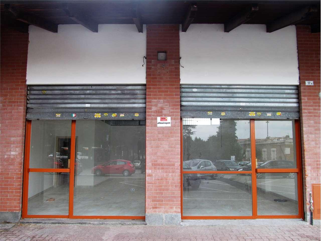 Negozio / Locale in affitto a Rivoli, 1 locali, zona Località: Centro, prezzo € 1.400 | Cambio Casa.it