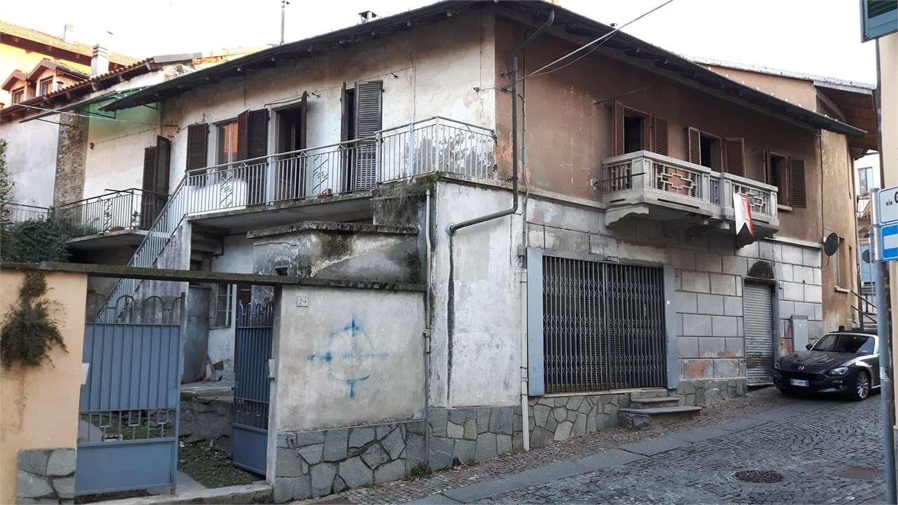 Soluzione Indipendente in vendita a Alpignano, 9 locali, zona Località: Centro Storico, prezzo € 100.000 | Cambio Casa.it