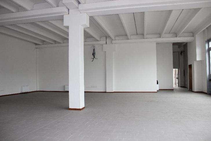 Magazzino in affitto a Brescia, 9999 locali, zona Zona: Chiesanuova, Trattative riservate | Cambio Casa.it