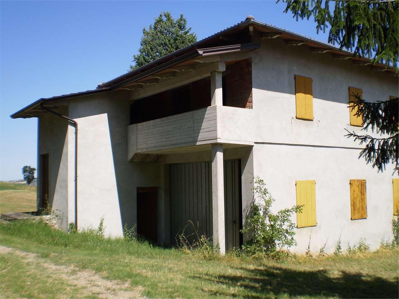Casa Indipendente vendita NEVIANO DEGLI ARDUINI (PR) - 99 LOCALI - 200 MQ