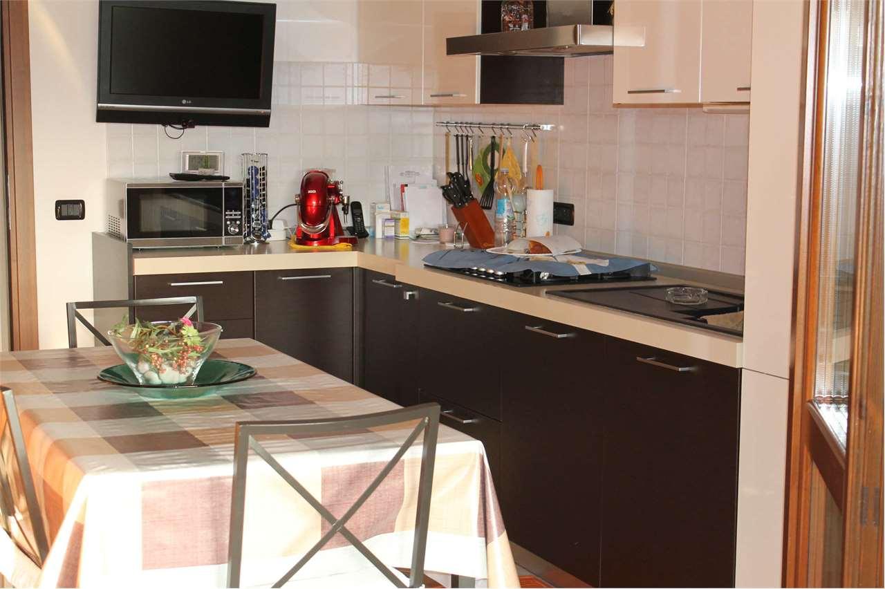 Villa a Schiera in vendita a Lesignano de' Bagni, 7 locali, zona Località: centro, prezzo € 280.000   Cambio Casa.it