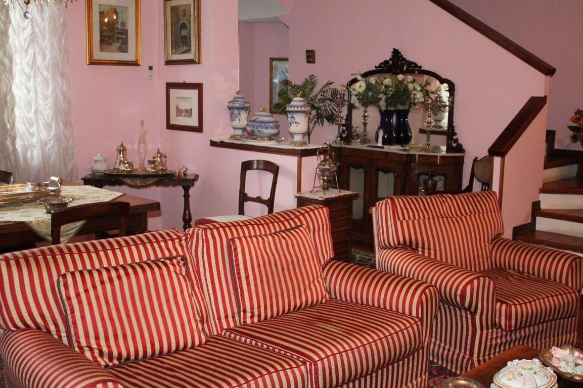 Villa in vendita a Felino, 9 locali, Trattative riservate | Cambio Casa.it