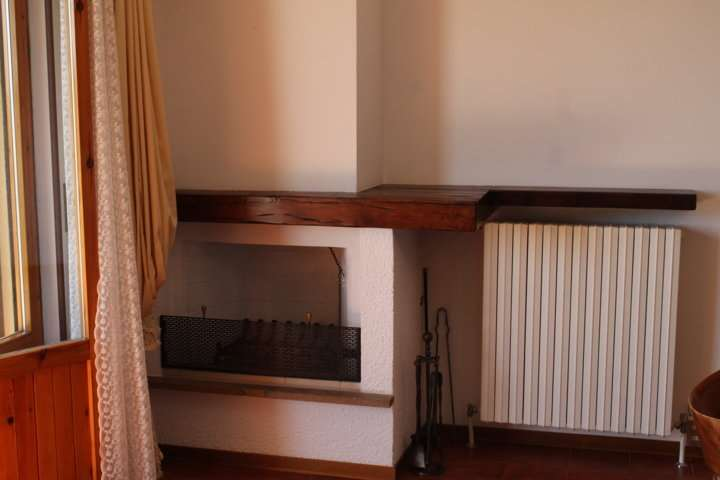 Appartamento in vendita a Tizzano Val Parma, 4 locali, prezzo € 120.000 | Cambio Casa.it