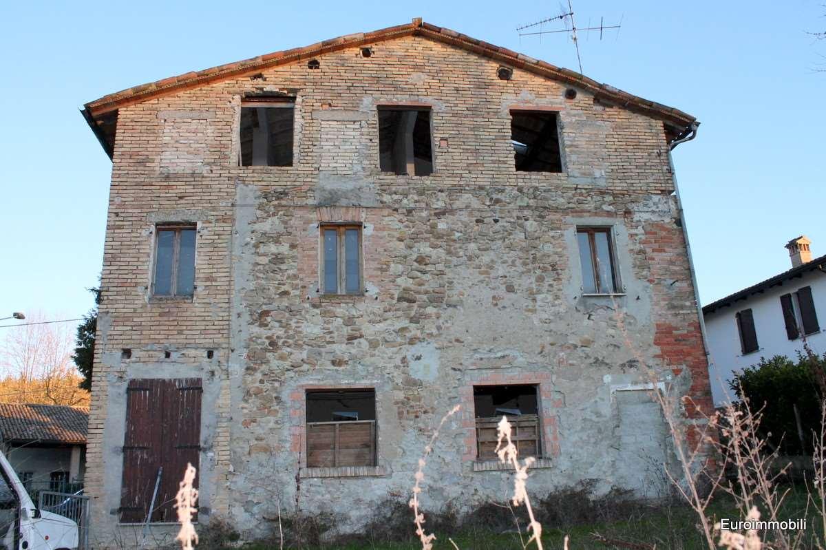 Rustico / Casale in vendita a Traversetolo, 6 locali, zona Zona: Guardasone, prezzo € 150.000 | Cambio Casa.it