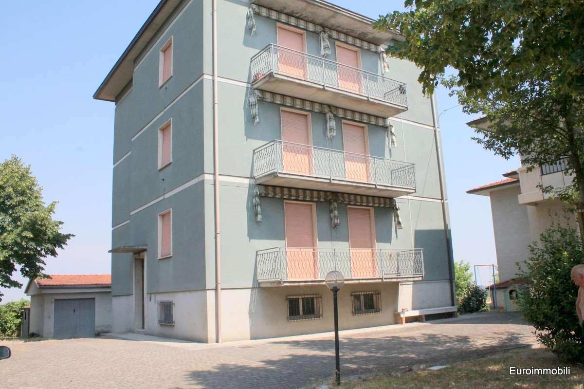 Palazzo / Stabile in vendita a Traversetolo, 20 locali, zona Zona: Bannone, prezzo € 330.000 | Cambio Casa.it