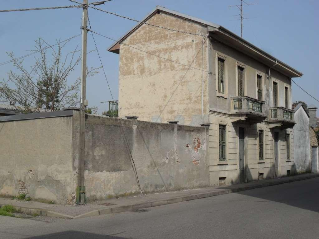 Soluzione Indipendente in vendita a Busto Arsizio, 4 locali, prezzo € 245.000 | Cambio Casa.it