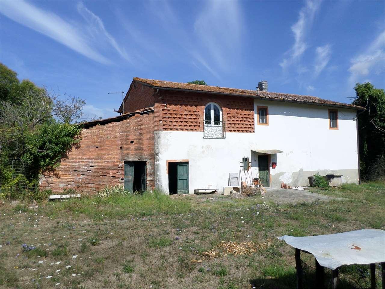 Rustico / Casale in vendita a Castelfranco di Sotto, 6 locali, prezzo € 168.000 | CambioCasa.it