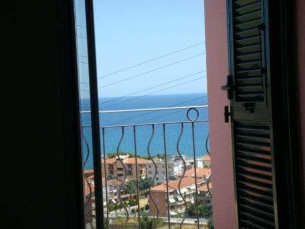 Villa a Schiera in vendita a Riva Ligure, 6 locali, prezzo € 490.000 | CambioCasa.it