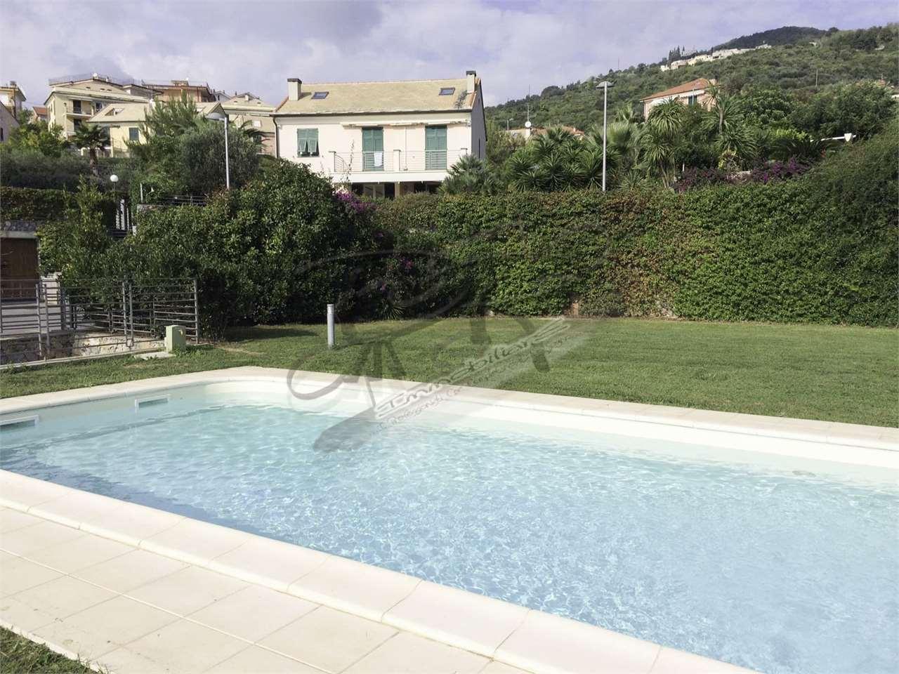 Villa Bifamiliare in Vendita a Borgio Verezzi