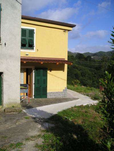 Appartamento in vendita a Pignone, 2 locali, prezzo € 110.000 | CambioCasa.it
