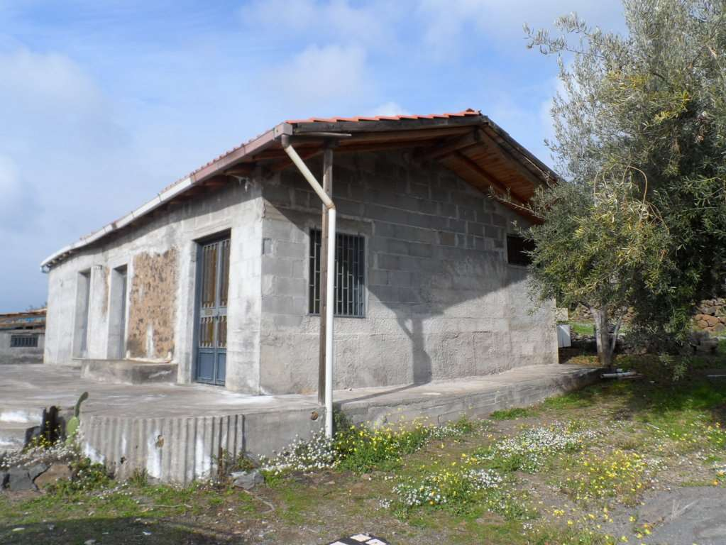 Soluzione Indipendente in vendita a Ragalna, 3 locali, zona Zona: Pianovite, prezzo € 89.000 | Cambio Casa.it
