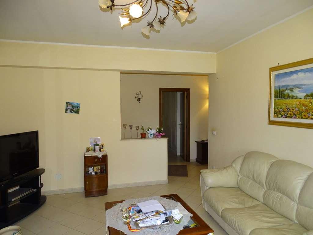 Appartamento in vendita a Camporotondo Etneo, 3 locali, prezzo € 125.000 | Cambio Casa.it