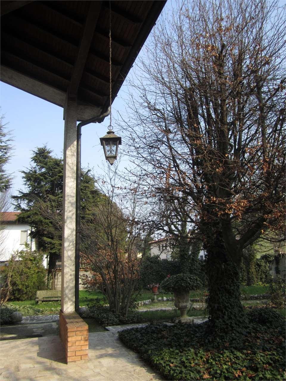 Villa in vendita a Offanengo, 8 locali, prezzo € 295.000 | Cambio Casa.it