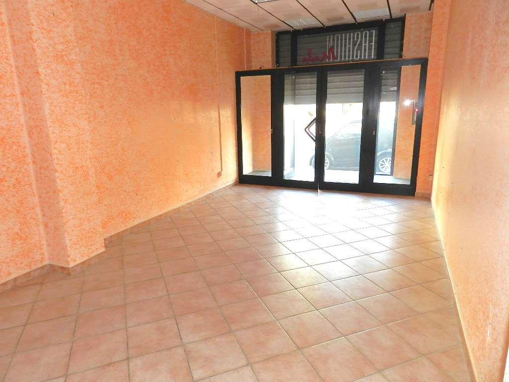 Negozio / Locale in affitto a Fiumicino, 2 locali, zona Località: Fiumicino Paese, prezzo € 700 | Cambio Casa.it