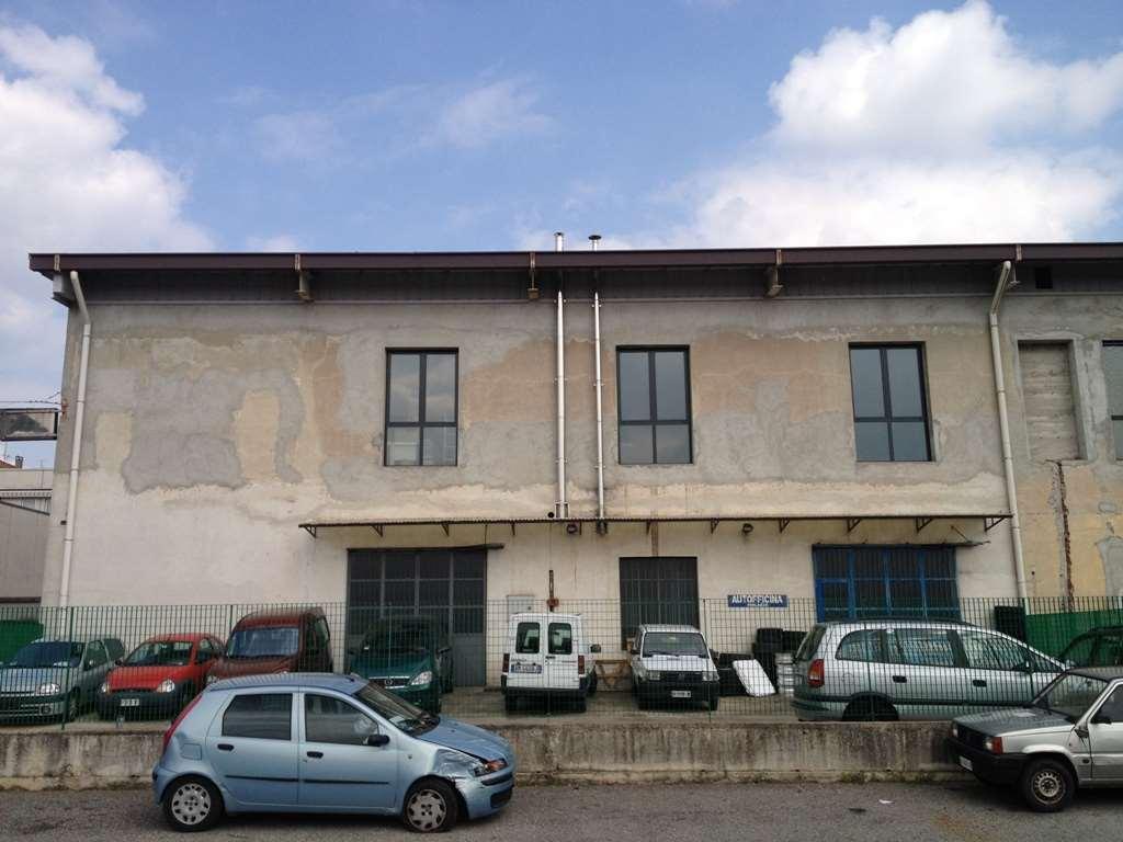 Laboratorio in Vendita a Cantù