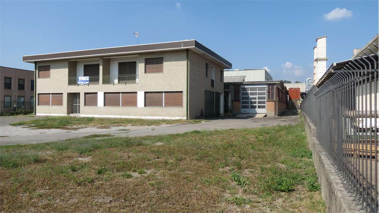 Capannone in vendita a Villa Guardia, 9999 locali, Trattative riservate | Cambio Casa.it
