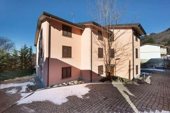 Villa a Schiera in vendita a Brunate, 9999 locali, prezzo € 300.000 | Cambio Casa.it
