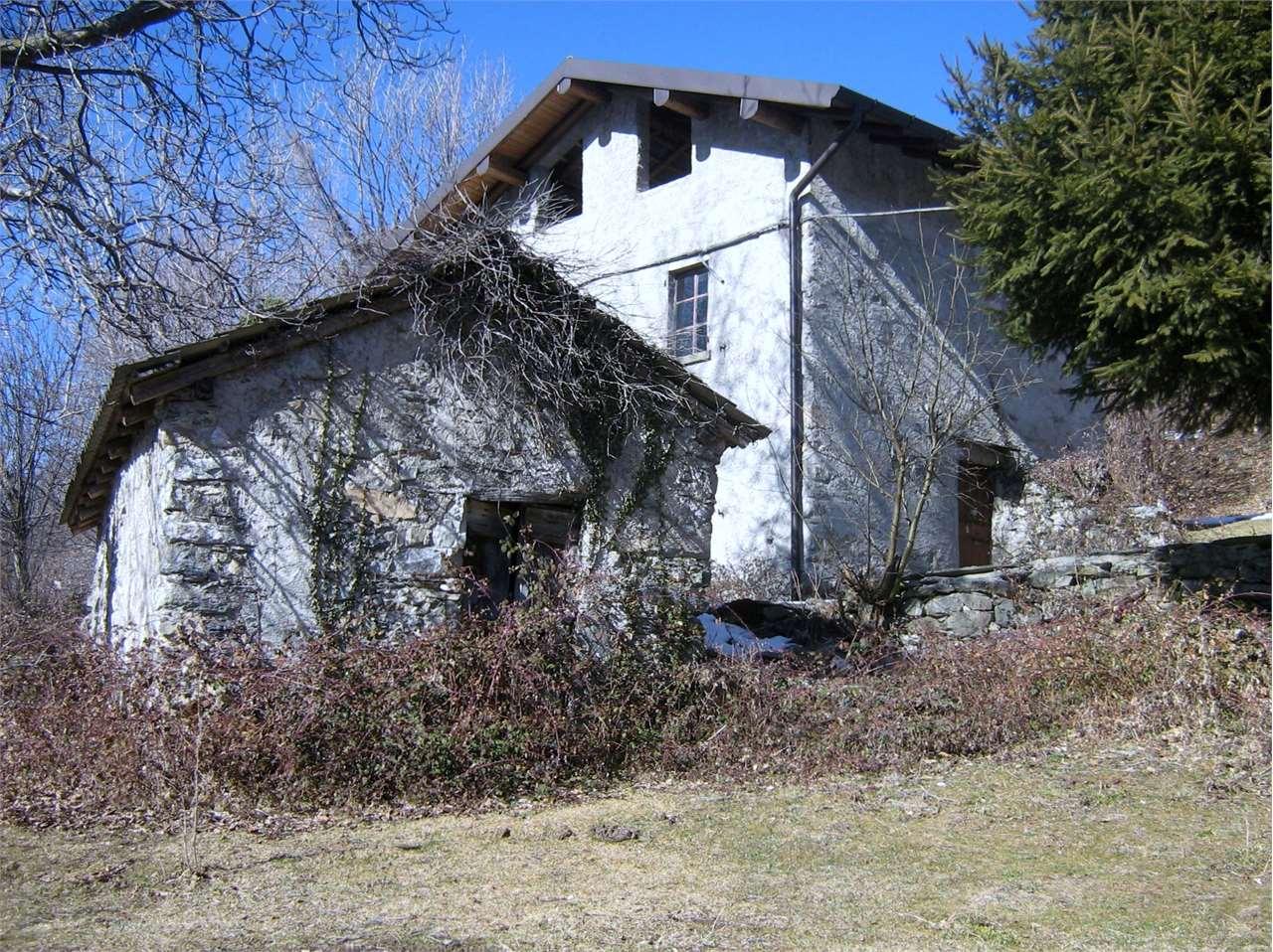 Rustico / Casale in vendita a Veleso, 9 locali, prezzo € 180.000 | Cambio Casa.it