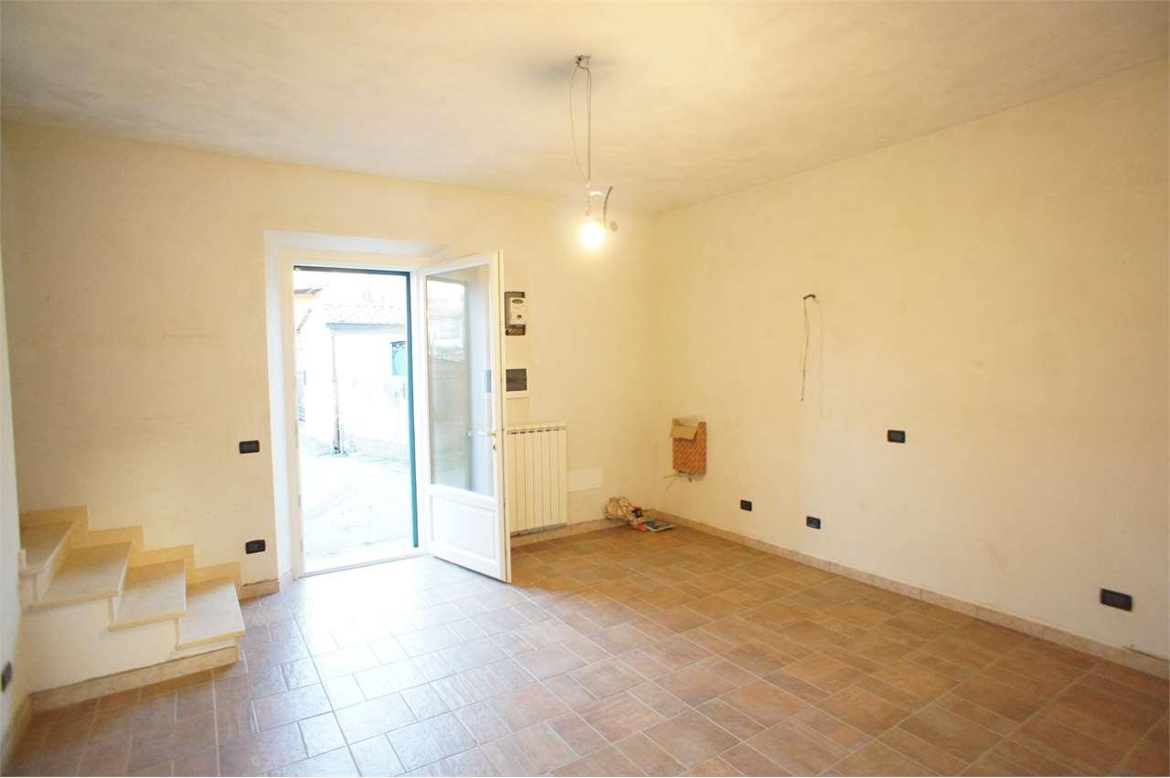 Appartamento in vendita a Ponte Buggianese, 3 locali, zona Zona: Anchione, prezzo € 150.000 | CambioCasa.it