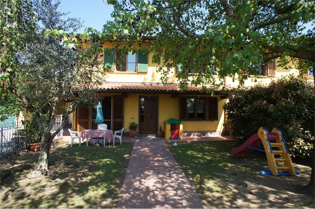 Villa Bifamiliare in Vendita a Chiesina Uzzanese