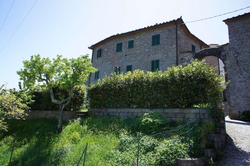 Rustico / Casale in vendita a Marliana, 8 locali, prezzo € 260.000 | Cambio Casa.it