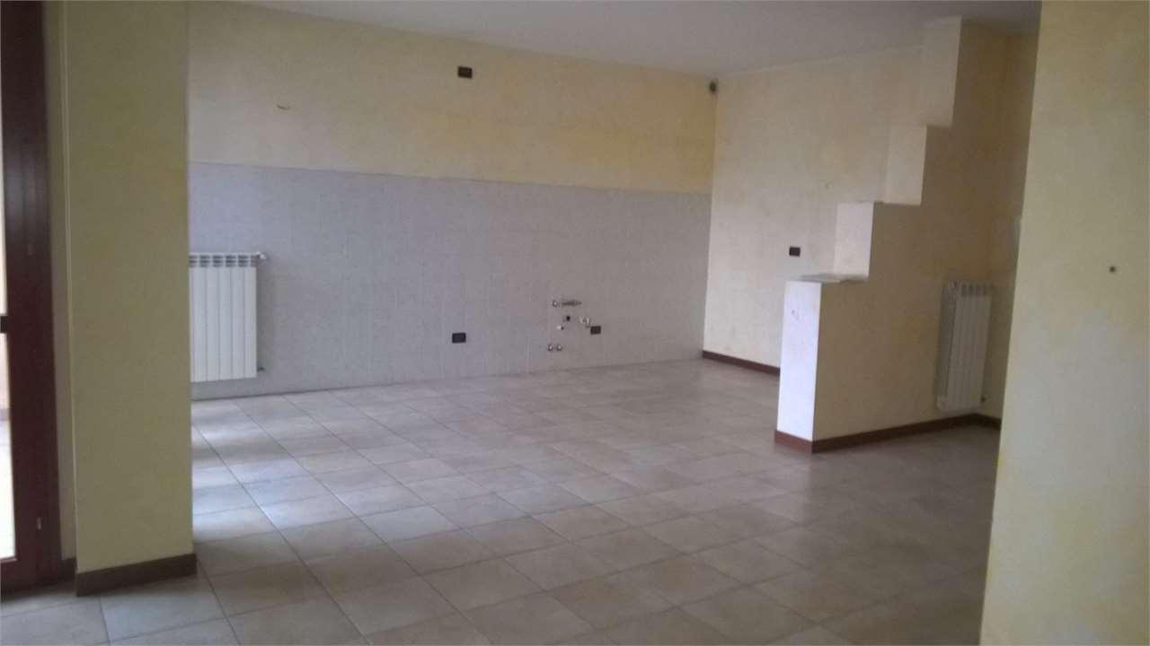 Appartamento in affitto a Dairago, 4 locali, prezzo € 650 | CambioCasa.it