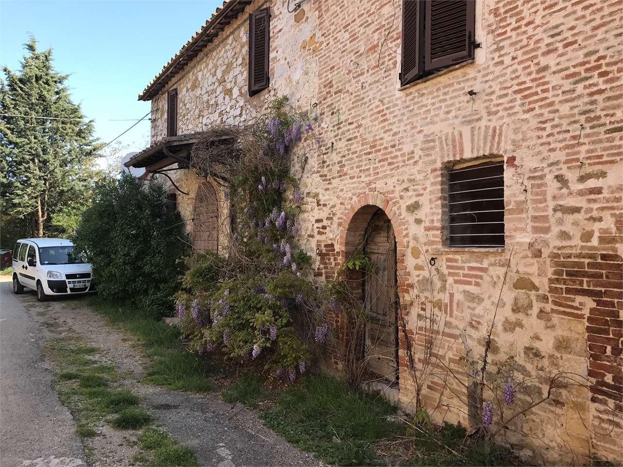 Rustico / Casale in vendita a Corciano, 10 locali, zona Zona: Ellera, prezzo € 360.000 | Cambio Casa.it