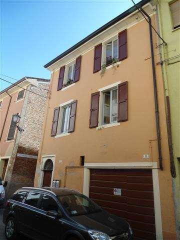 Appartamento in vendita a Busseto, 4 locali, prezzo € 180.000   Cambio Casa.it