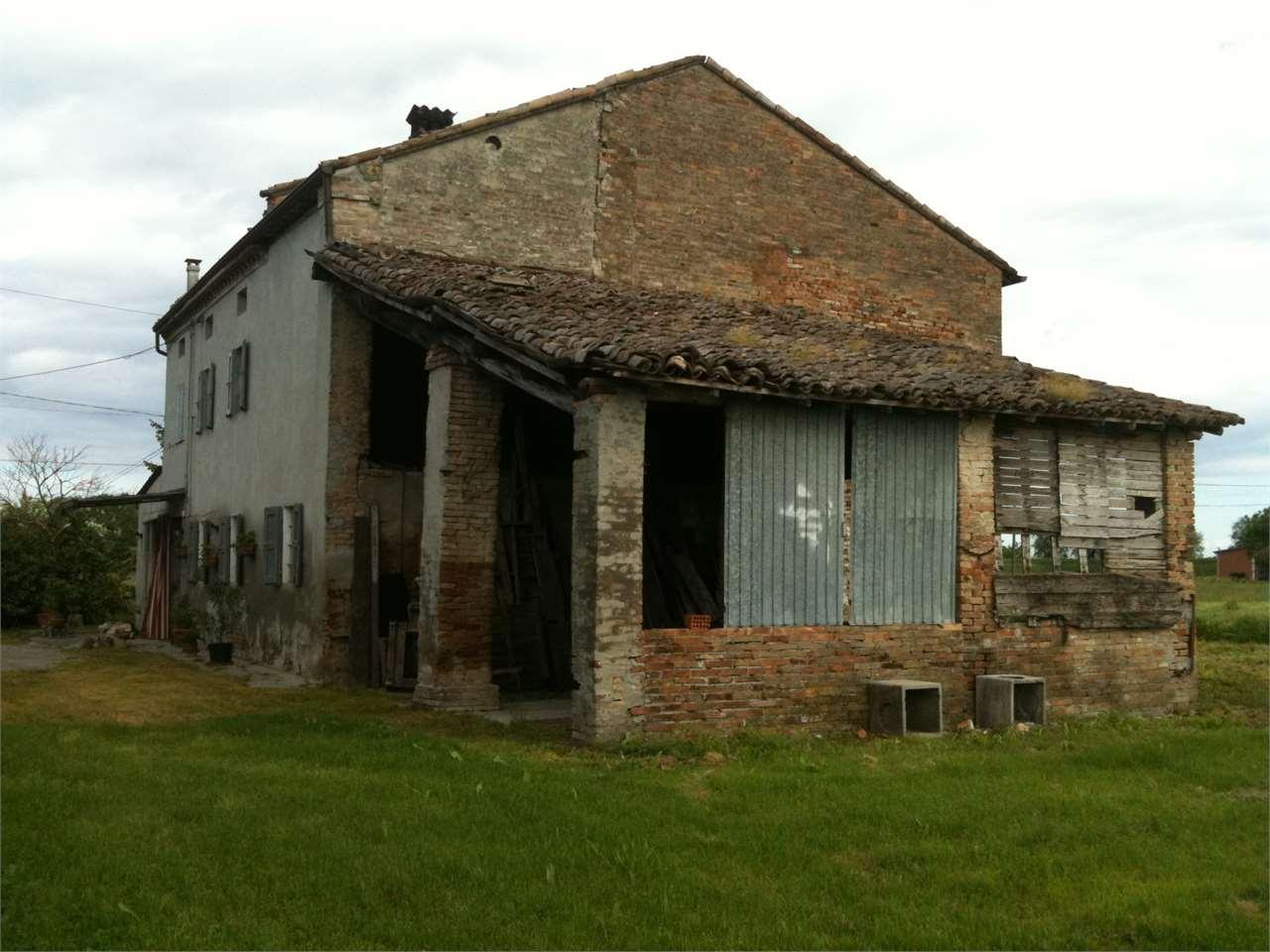 Rustico / Casale in Vendita a Soragna