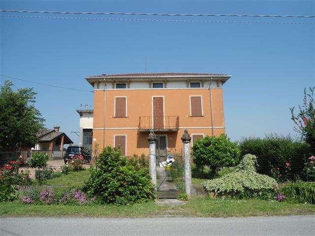 Appartamento in Vendita a Polesine Parmense