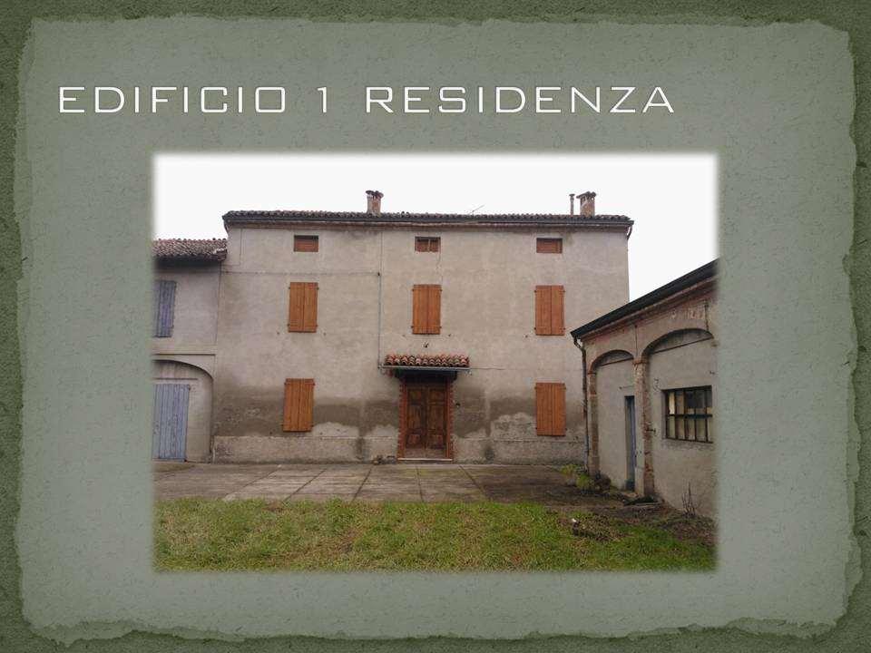 Palazzo / Stabile in Vendita a Zibello