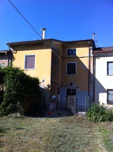 Appartamento in vendita a Busseto, 3 locali, zona Zona: Sant'Andrea, prezzo € 90.000   Cambio Casa.it