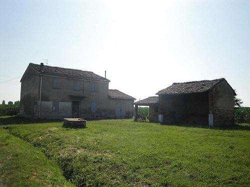 Rustico / Casale in vendita a Busseto, 10 locali, prezzo € 100.000 | Cambio Casa.it