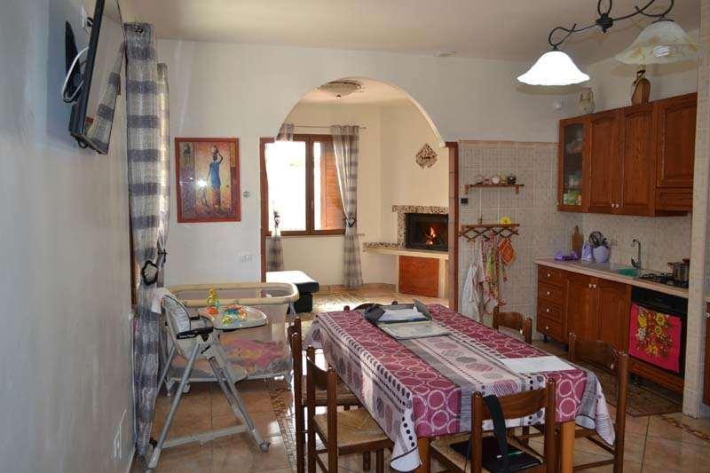 Soluzione Indipendente in vendita a Terricciola, 9 locali, zona Zona: Soianella, prezzo € 360.000 | Cambio Casa.it